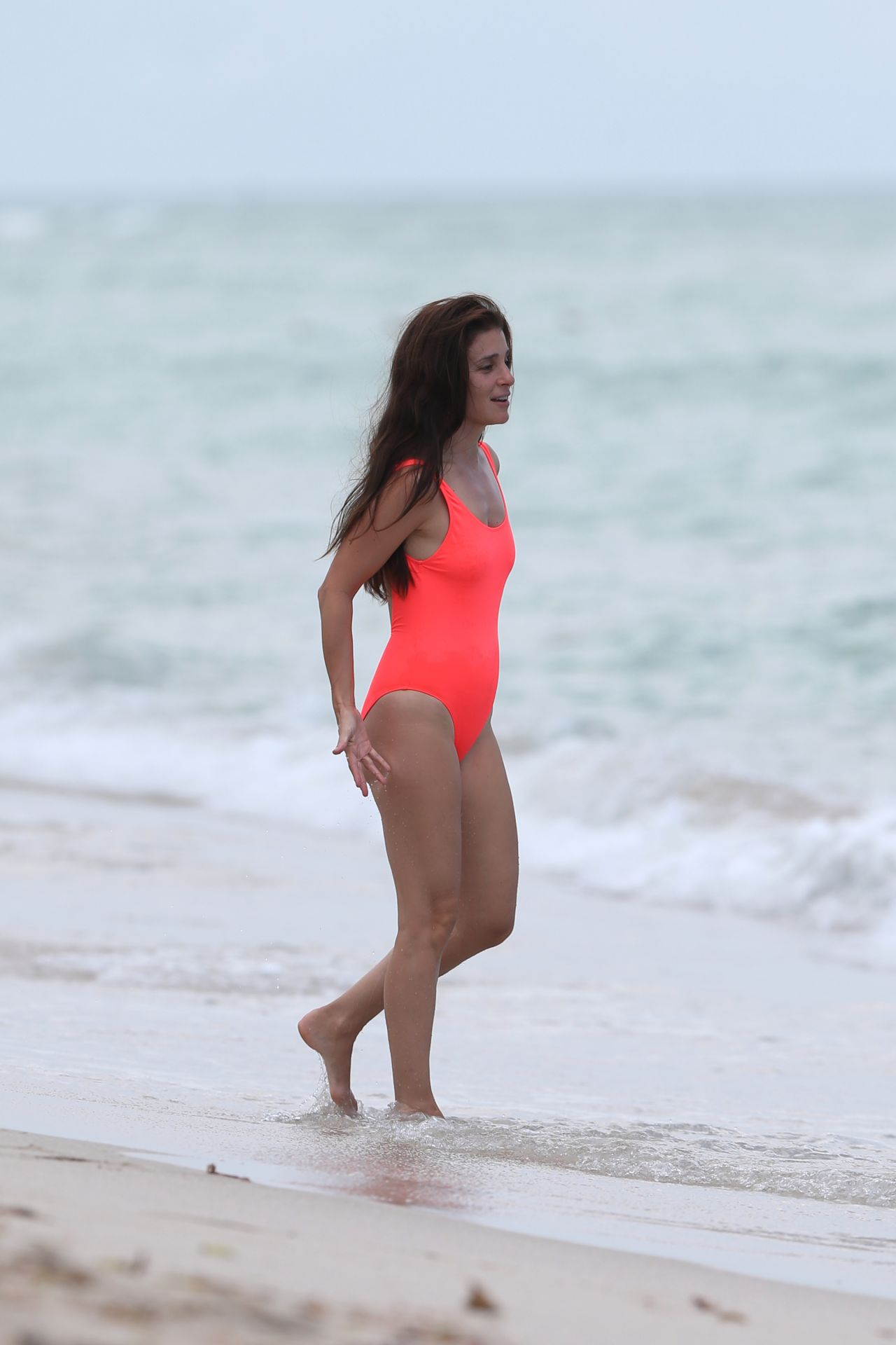Shiri Appleby In Swimsuit At The Beach In Miami 09 23 2017