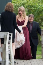 Taylor Swift As a Bridesmaid at Her BFF Abigail