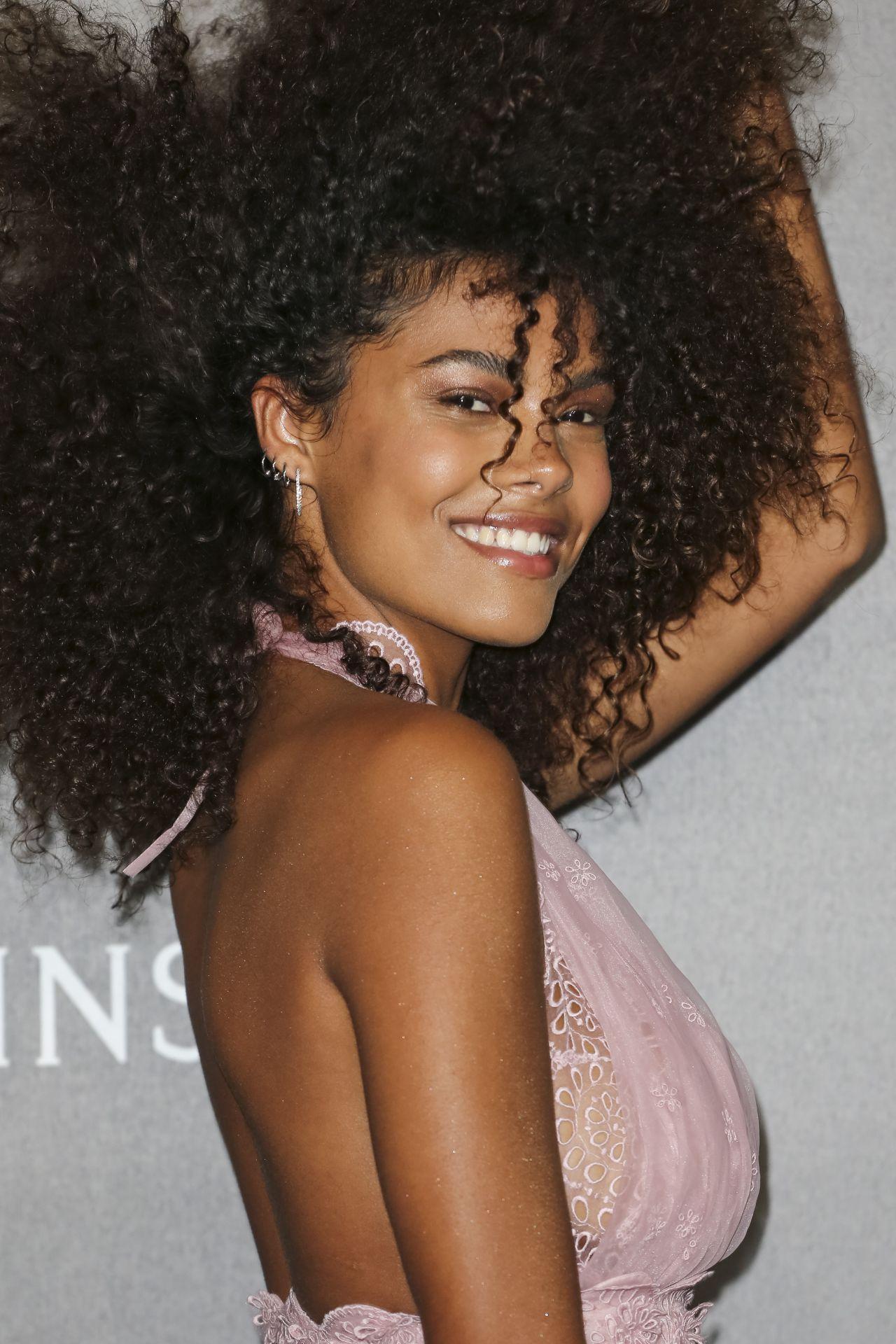 Young Tina Kunakey  nudes (17 photos), iCloud, braless