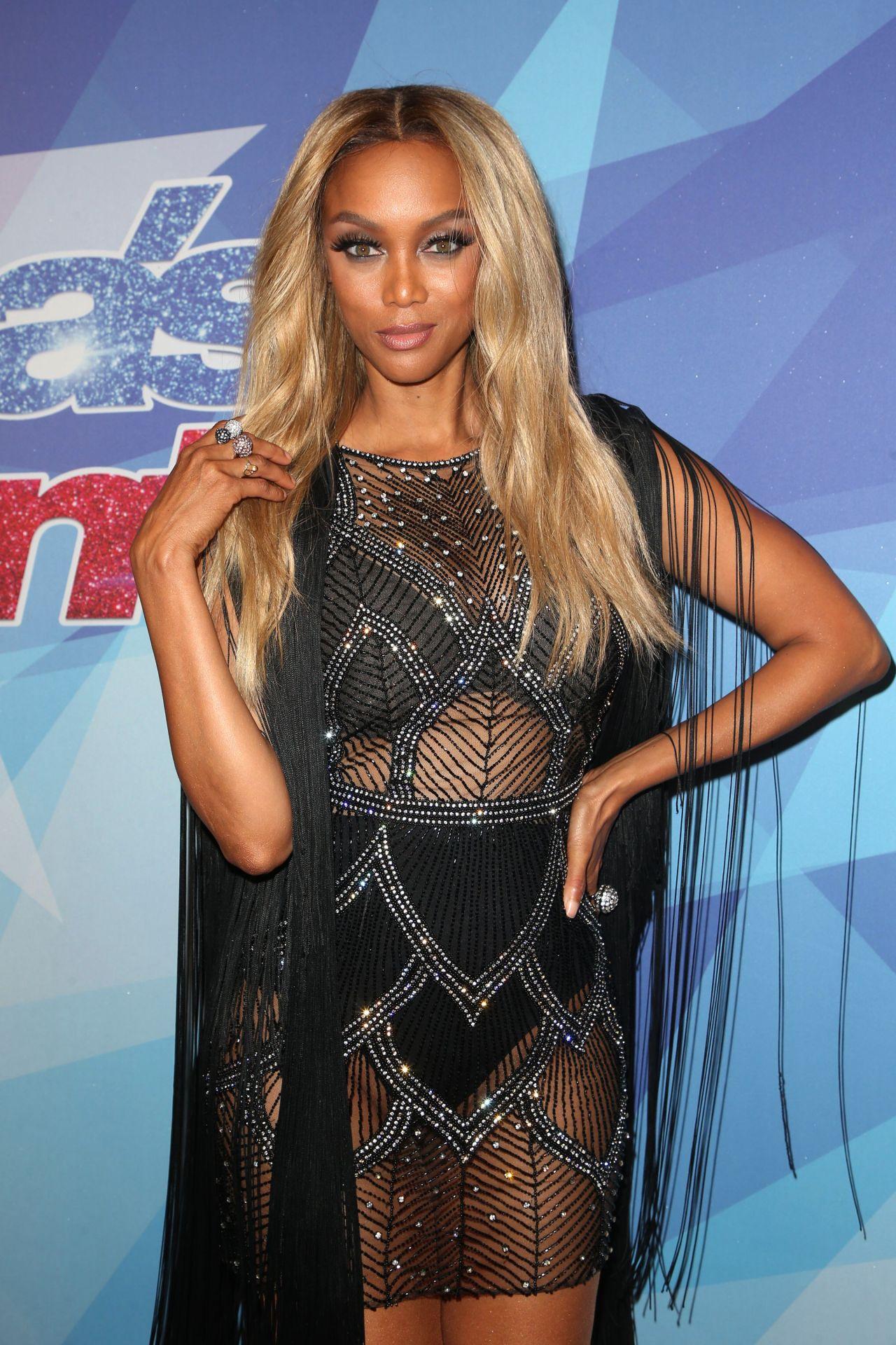 Tyra Banks America S Got Talent Season 12 Live Show In