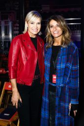Yolanda Hadid – Tommy Hilfiger Fashion Show in London 09/19/2017