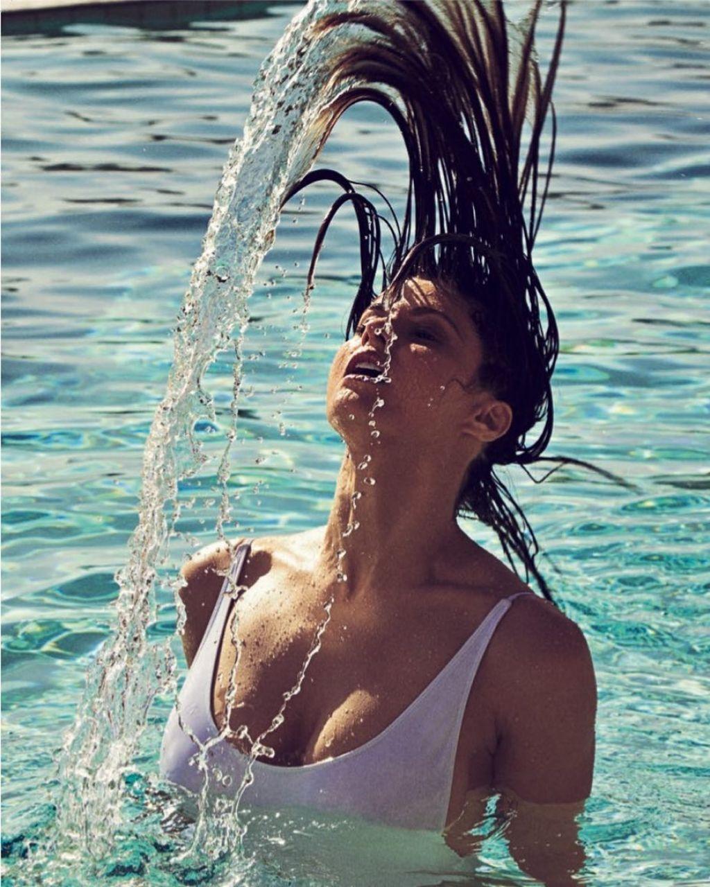 Alexandra Daddario - Social Media Photos