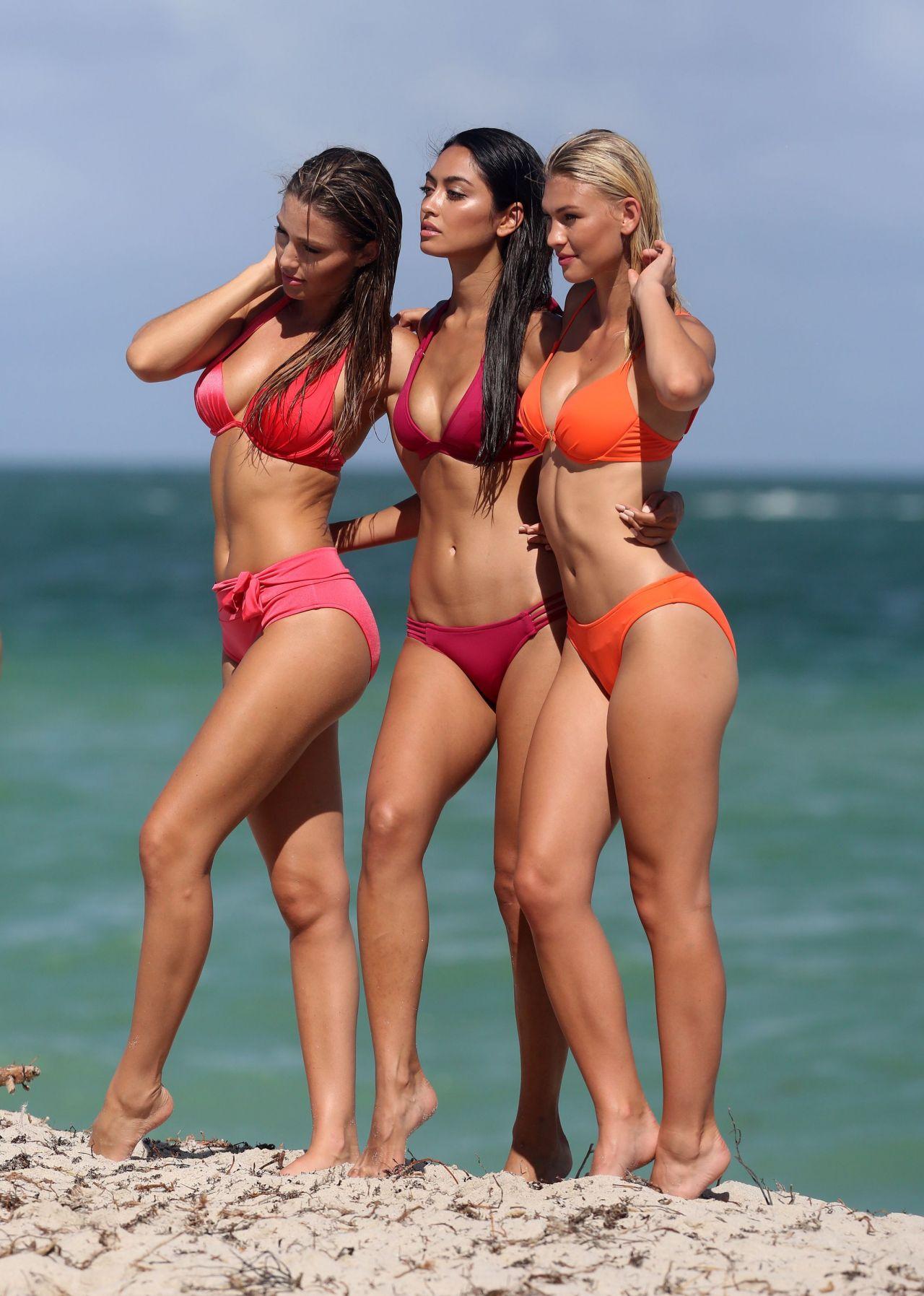 Ambra Battilana Poses in a Bikini on Miami Beach 10/09/2017