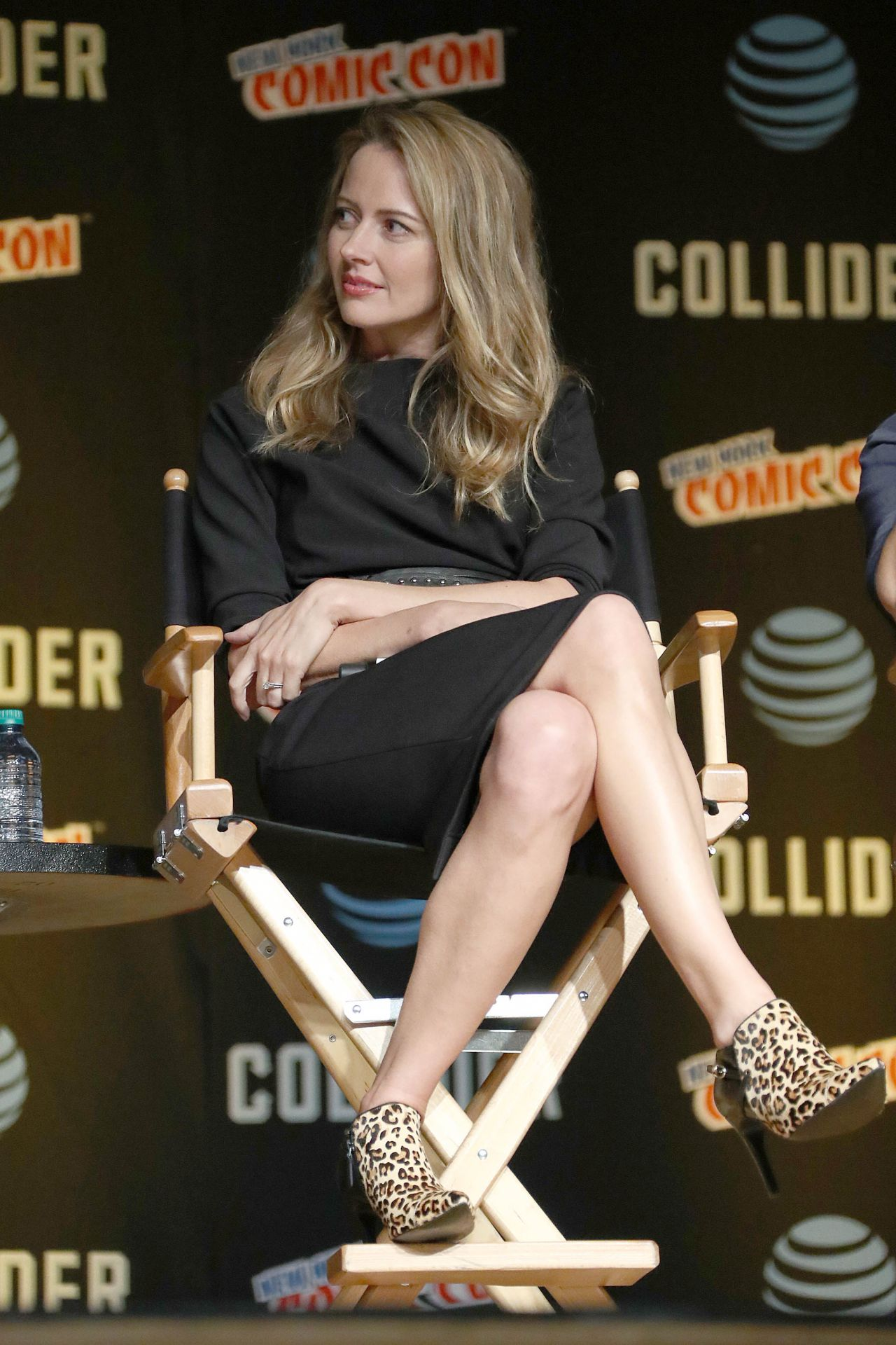 Amy Acker The Gifted Cast Appearance At Nycc In Nyc 10082017