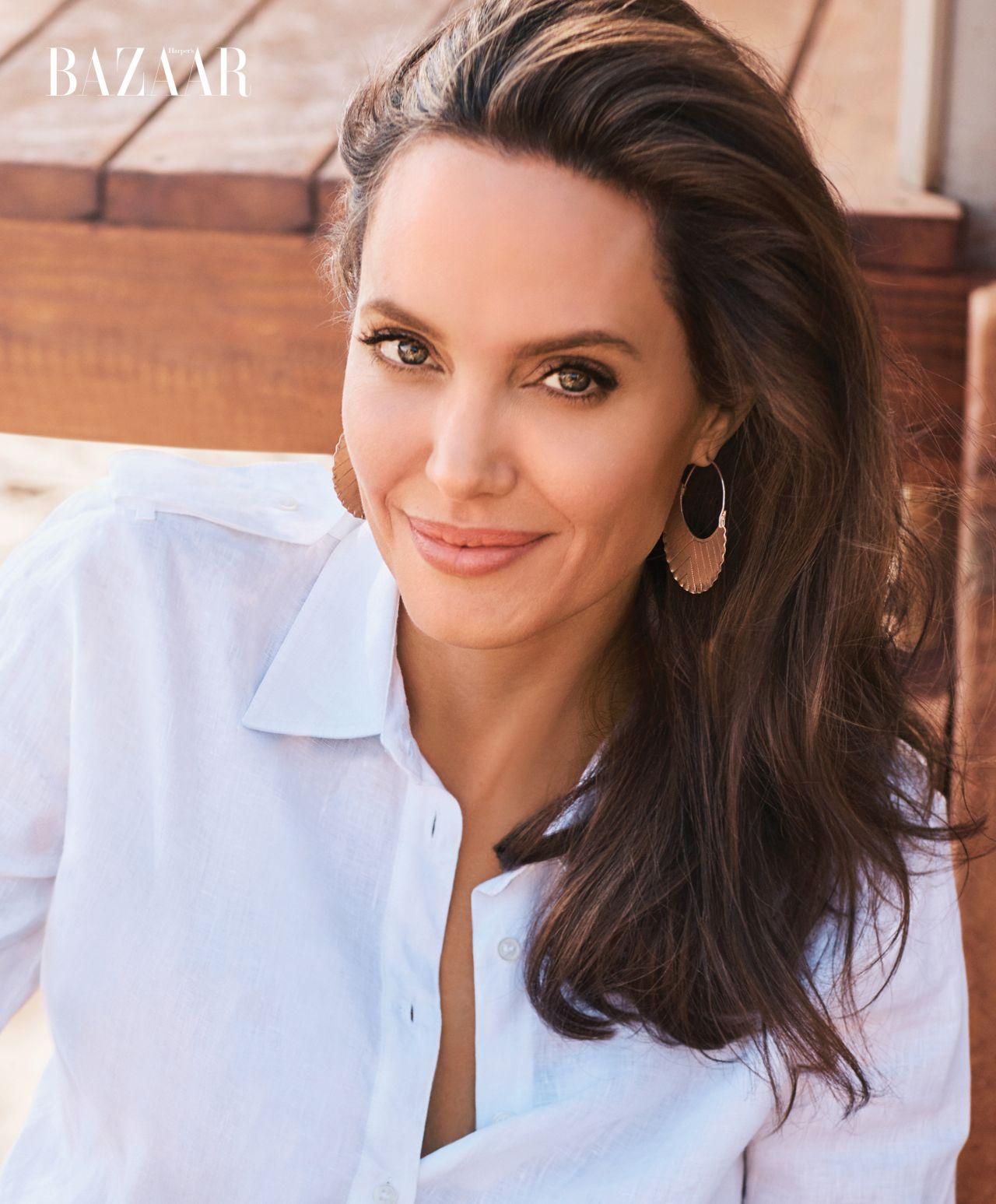 Angelina Jolie - Harpe... Angelina Jolie