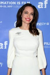"Angelina Jolie - ""The Breadwinner"" Premiere in Hollywood"