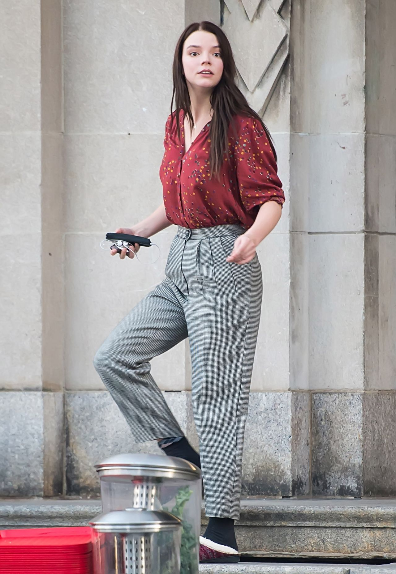 On To College Show 10 02 2017 >> Anya Taylor-Joy - Leaving a School Building in Philadelphia 10/02/2017