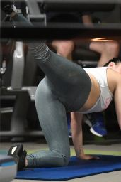 Ariel Winter - Exercises at the gym in Los Angeles 10/23/2017
