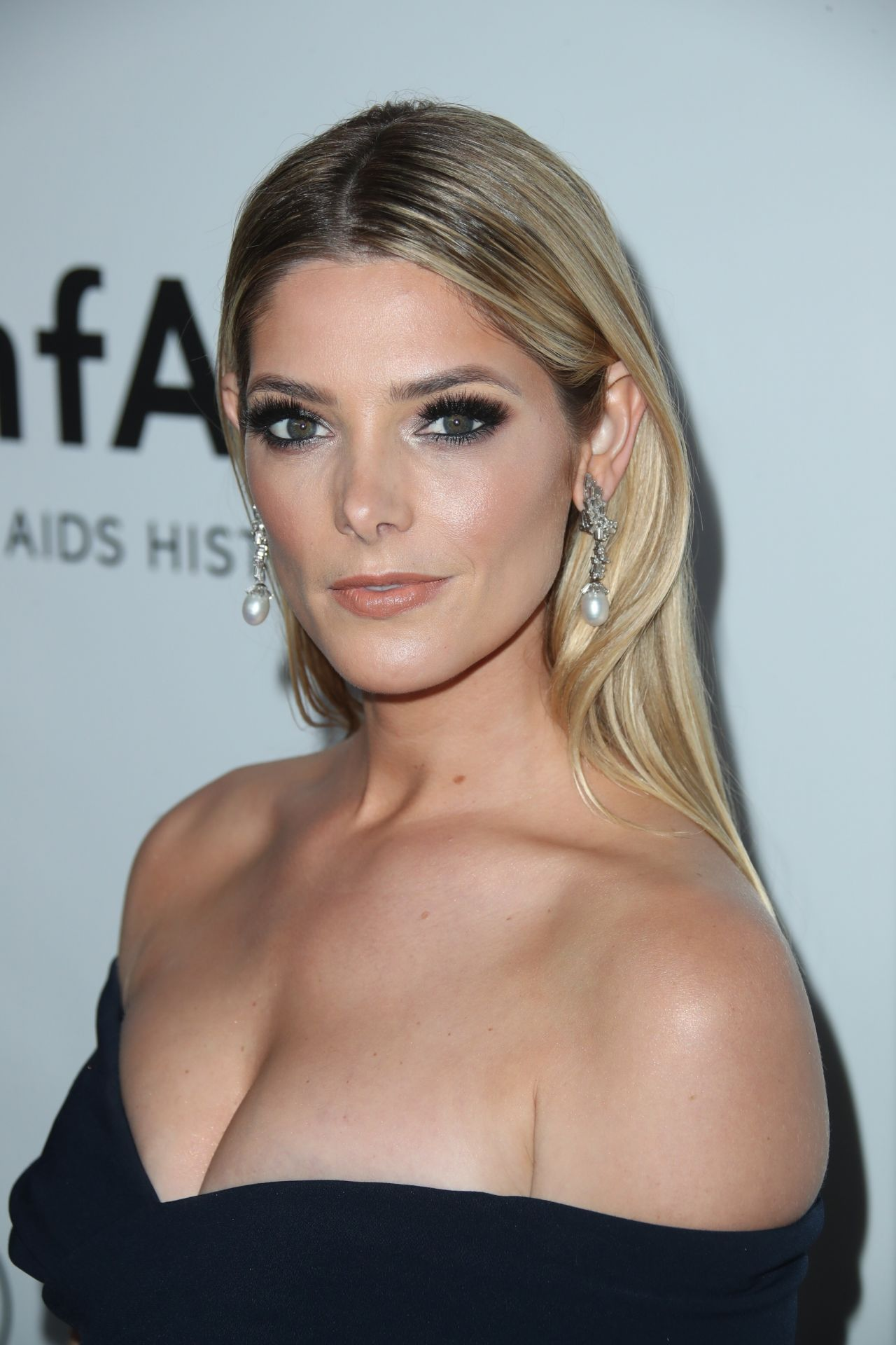 Ashley Greene – amfA...