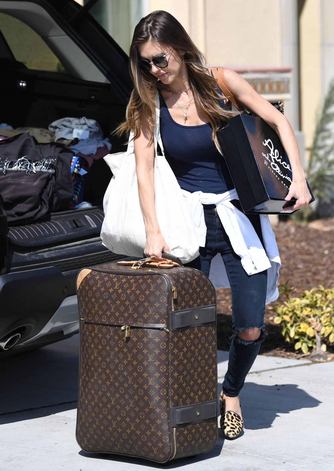 Audrina Patridge Returns Home in Los Angeles 10/14/2017