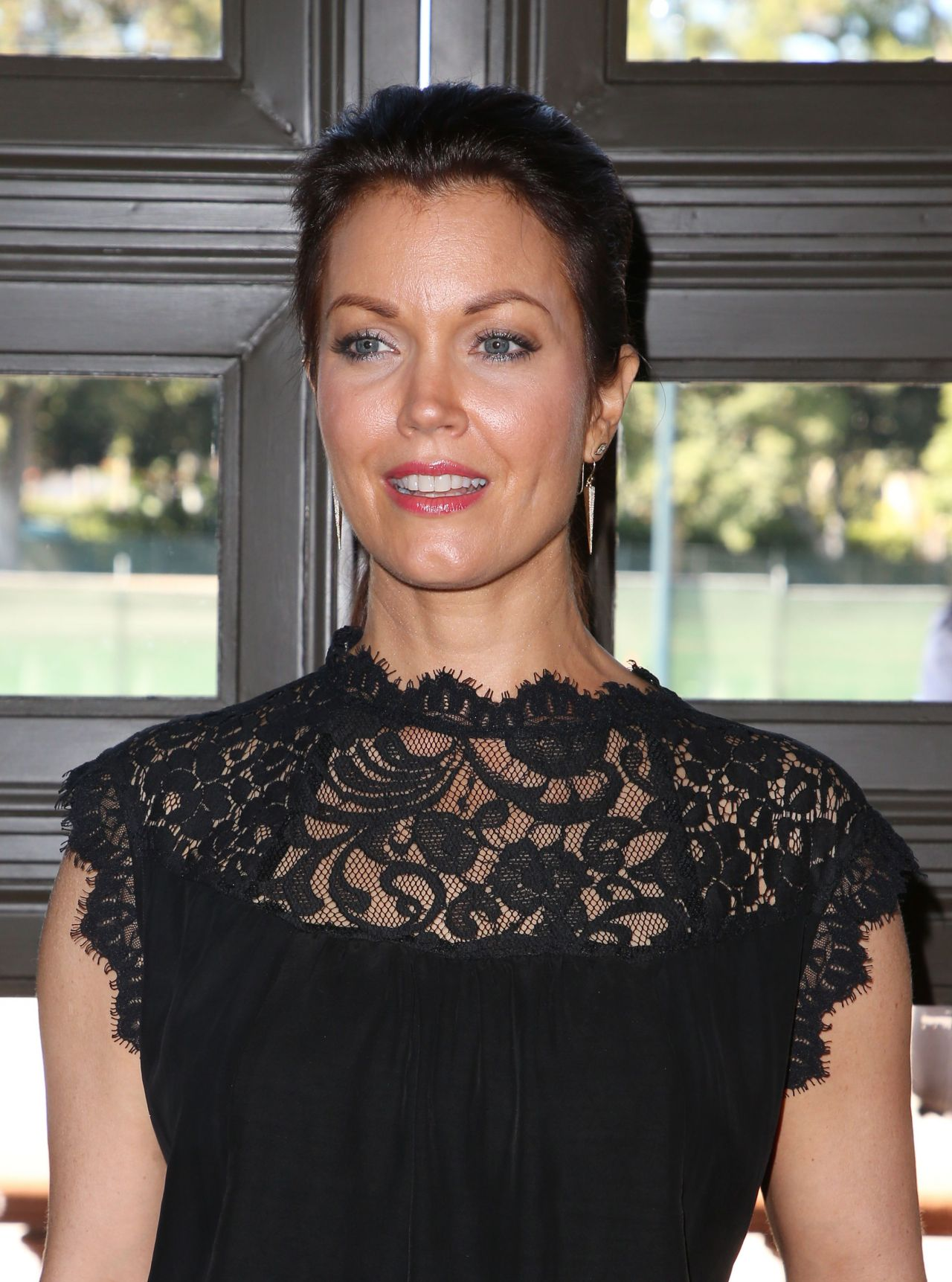 """Bellamy Young - """"Turn Me Loose"""" Play in Los Angeles 10/15/2017"""