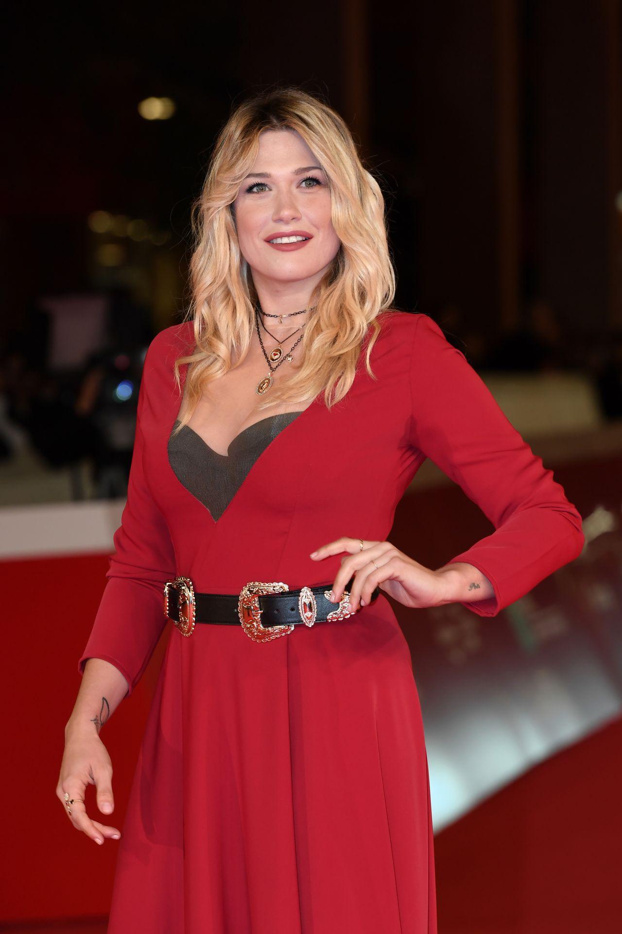 Benedetta Mazza Prendre Le Large Red Carpet In Rome