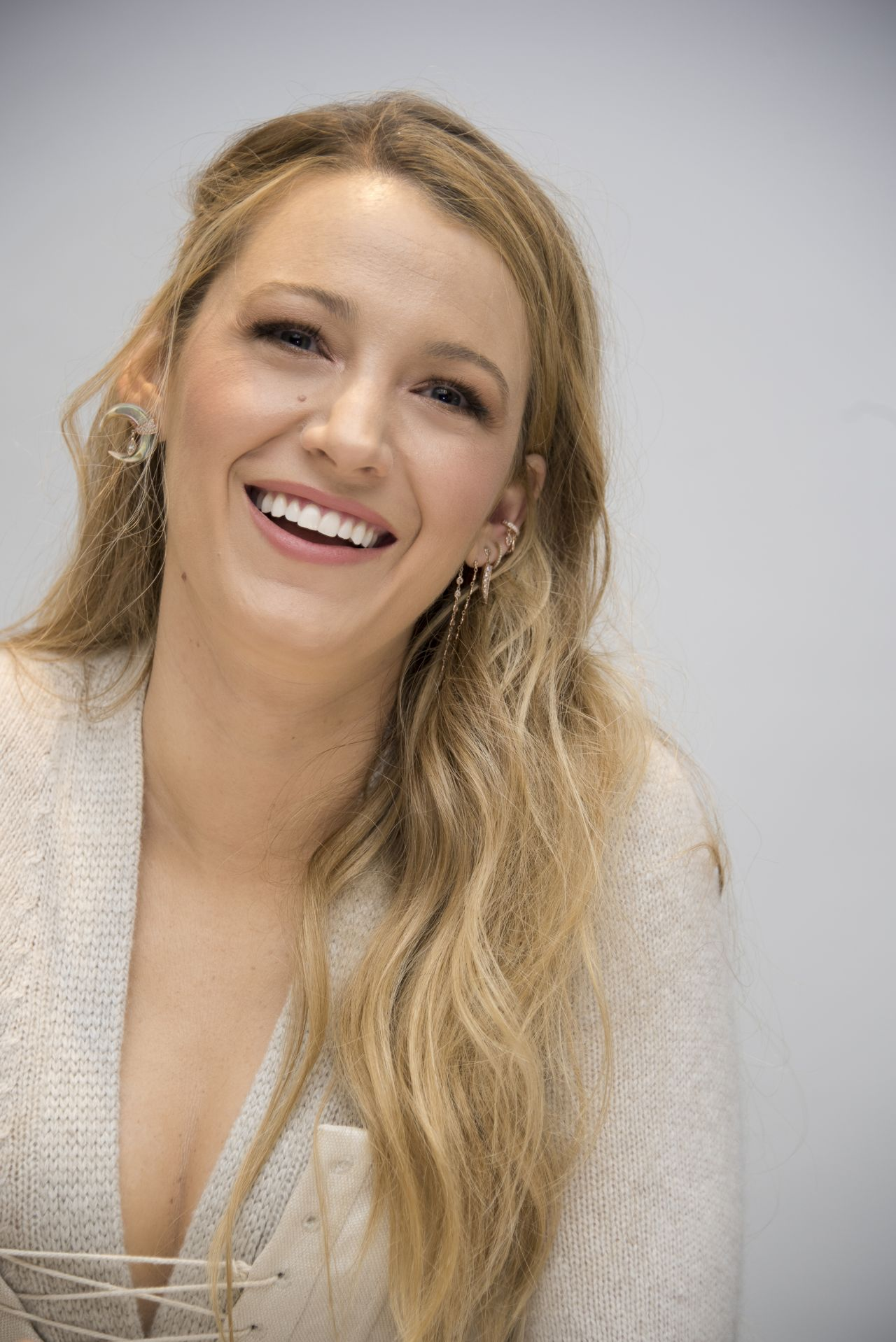 """Blake Lively Headshots - """"All I See Is You"""" Press Conference"""
