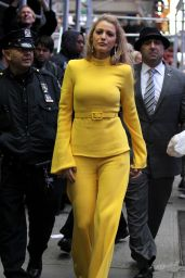 """Blake Lively Visits """"Good Morning America"""" in NYC 10/16/2017"""
