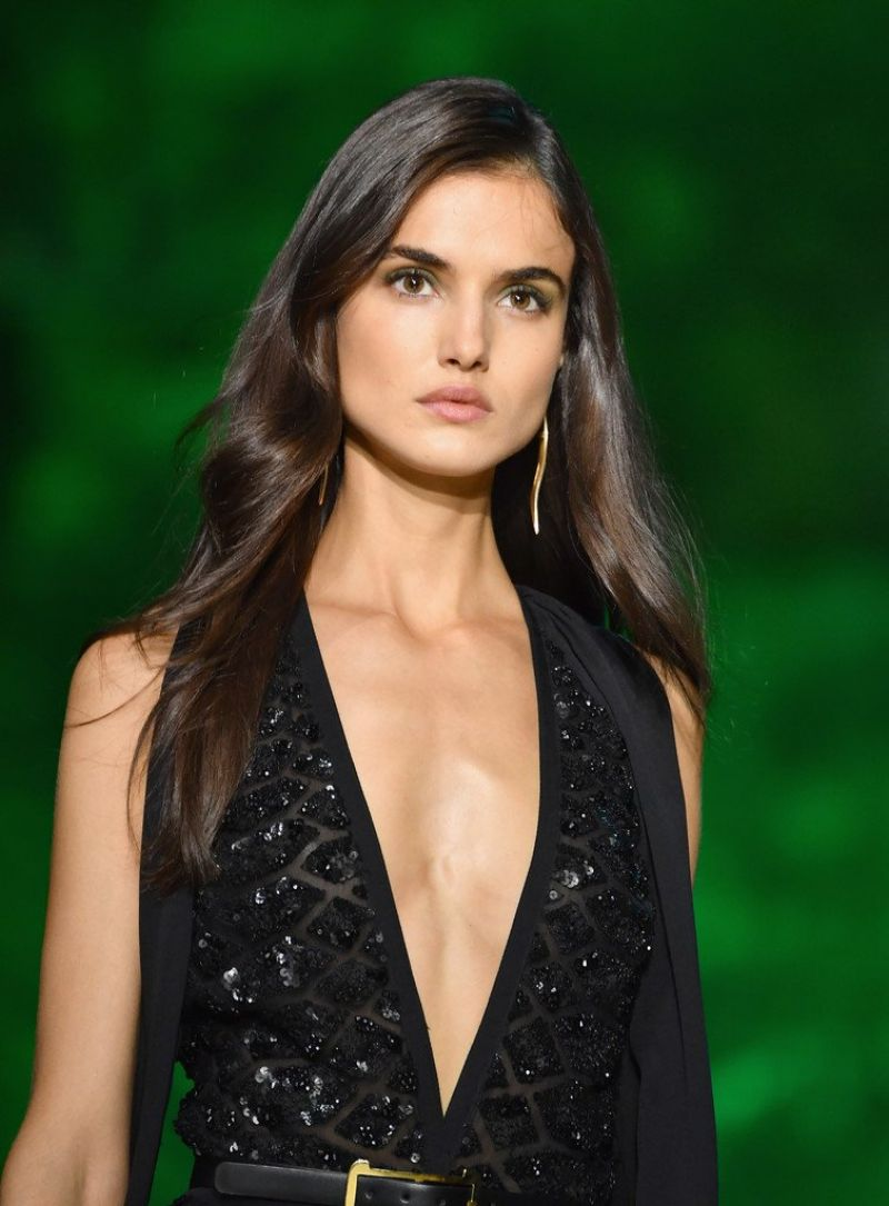 Blanca Padilla Walks Elie Saab Fashion Show, PFW in Paris ...
