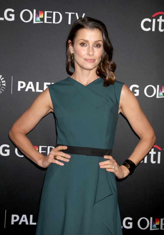"Bridget Moynahan – ""Blue Bloods"" Presentation at PaleyFest in New York 10/16/2017"