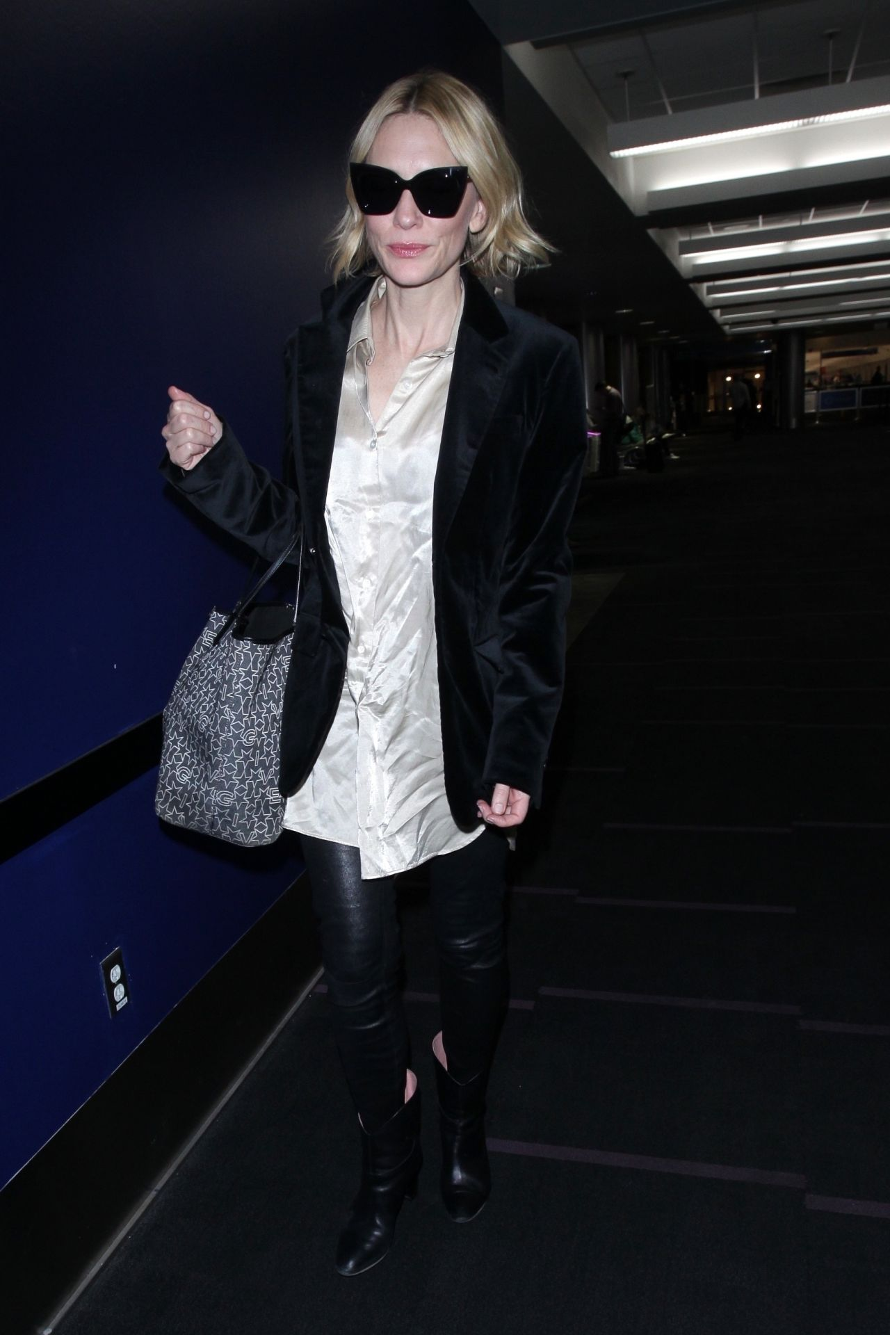 Cate Blanchett at LAX Airport 10/11/2017
