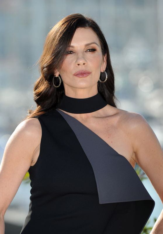 """Catherine Zeta-Jones - """"Cocaine Godmother"""" Photocall in Cannes 10/16/2017"""