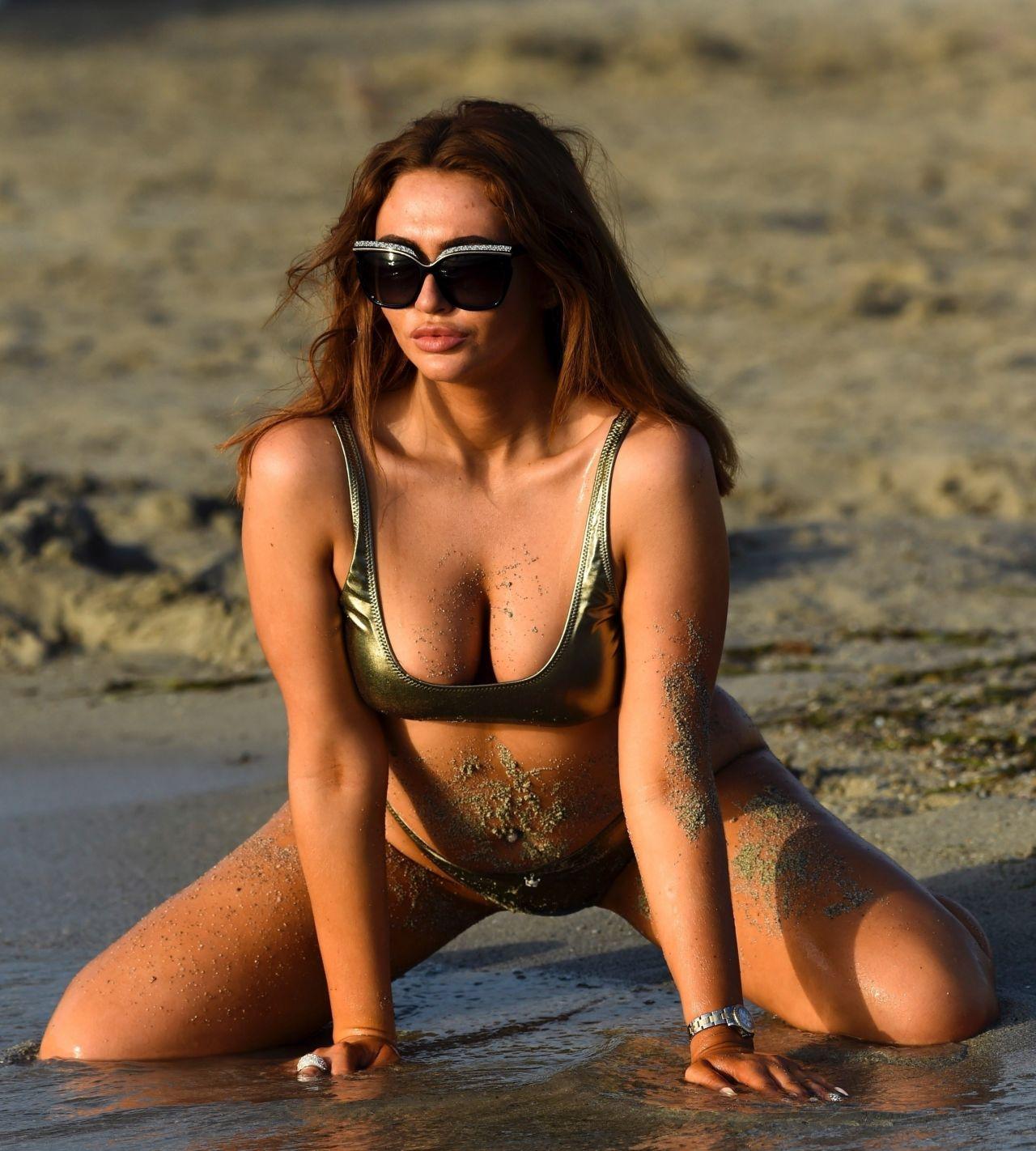 Charlotte Dawson in Bikini - Beach in Majorca 10/12/2017