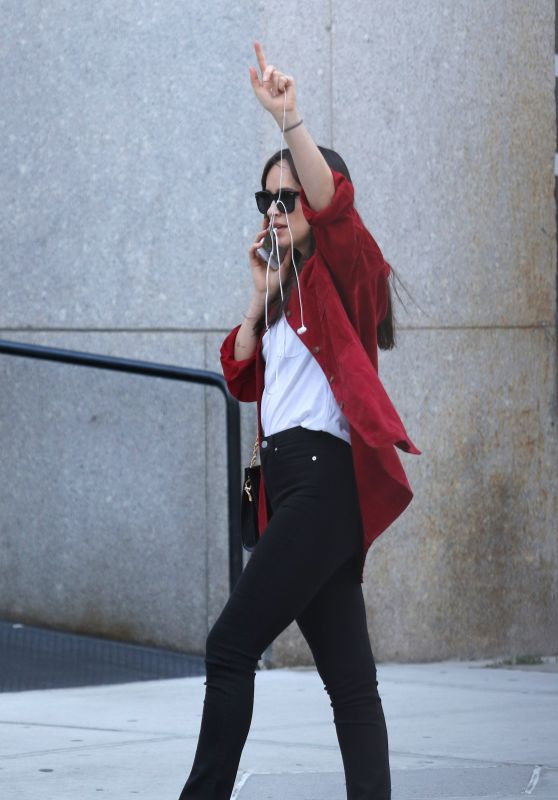 Dakota Johnson Style - Hails a Taxi in NYC 10/04/2017