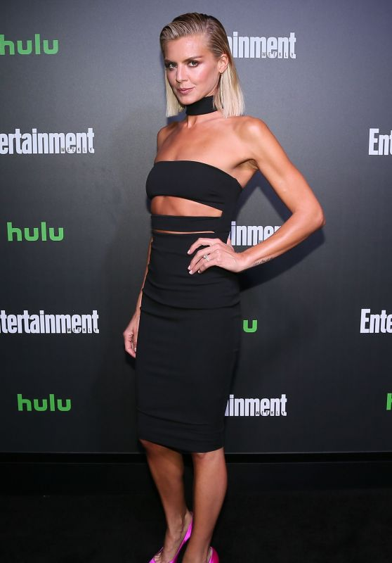 Eliza Coupe – Hulu and EW New York Comic Con After Party 10/06/2017