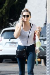 Elizabeth Olsen in Leggings - Shopping at Trader Joe