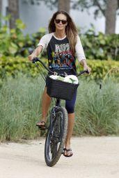 Elle Macpherson on Miami Beach 10/13/2017