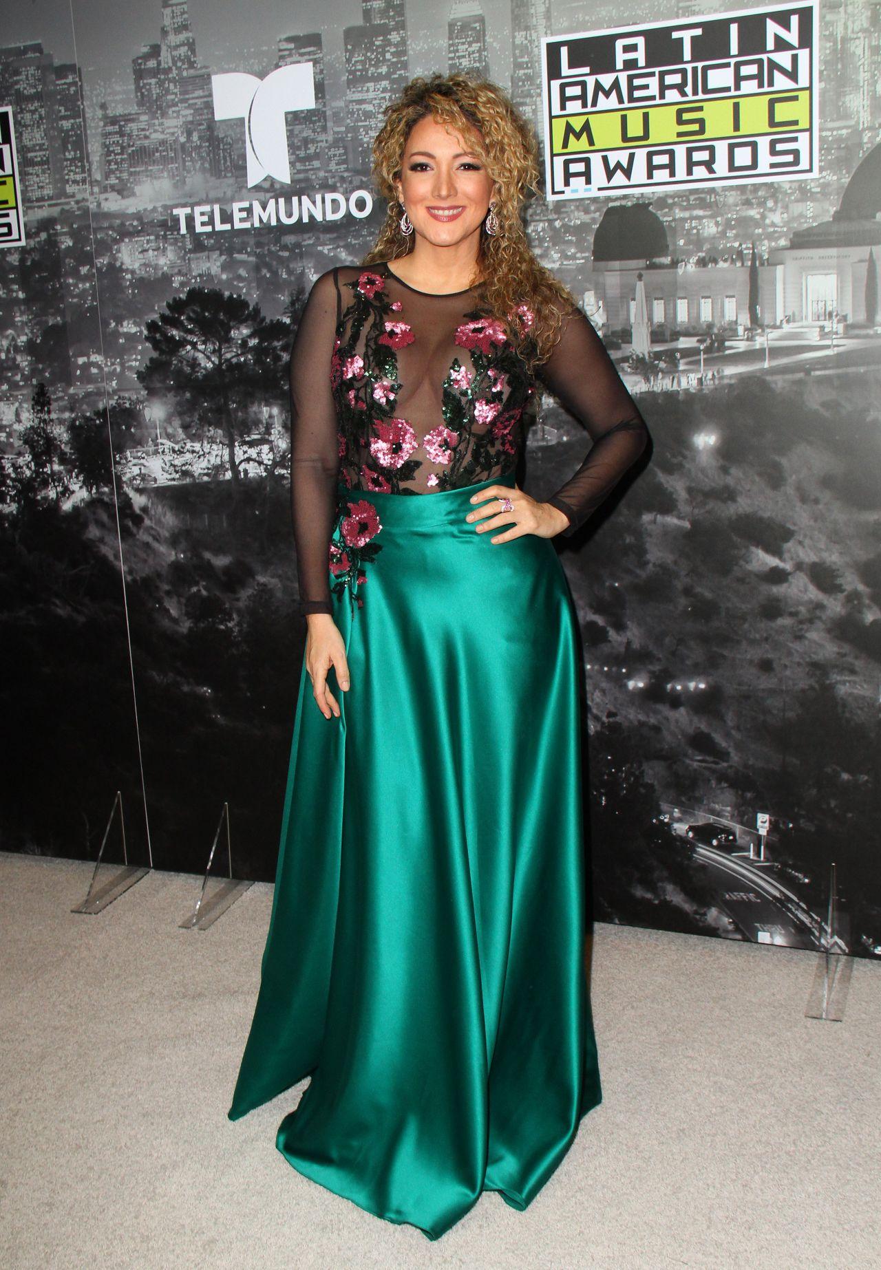 Erika Ender – Latin American Music Awards 2017 in Hollywood