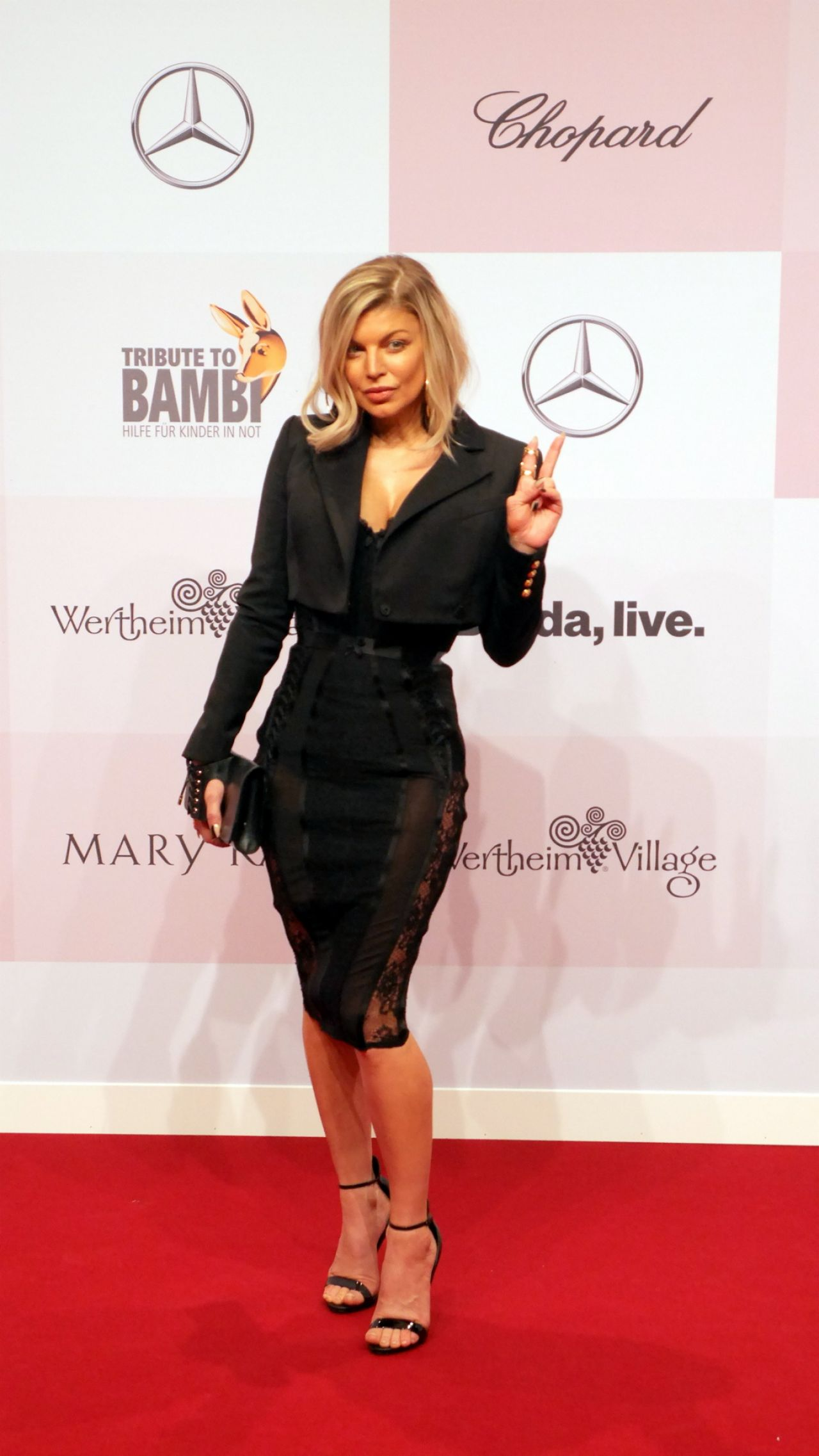 fergie tribute to bambi charity in berlin 10 05 2017. Black Bedroom Furniture Sets. Home Design Ideas