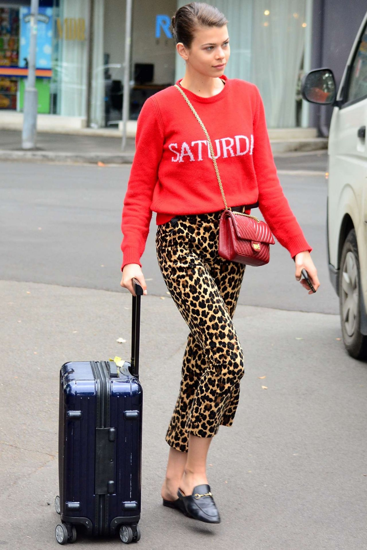 Georgia Fowler in Comfy Travel Outfit - Headed to the Airport in Sydney 10/13/2017