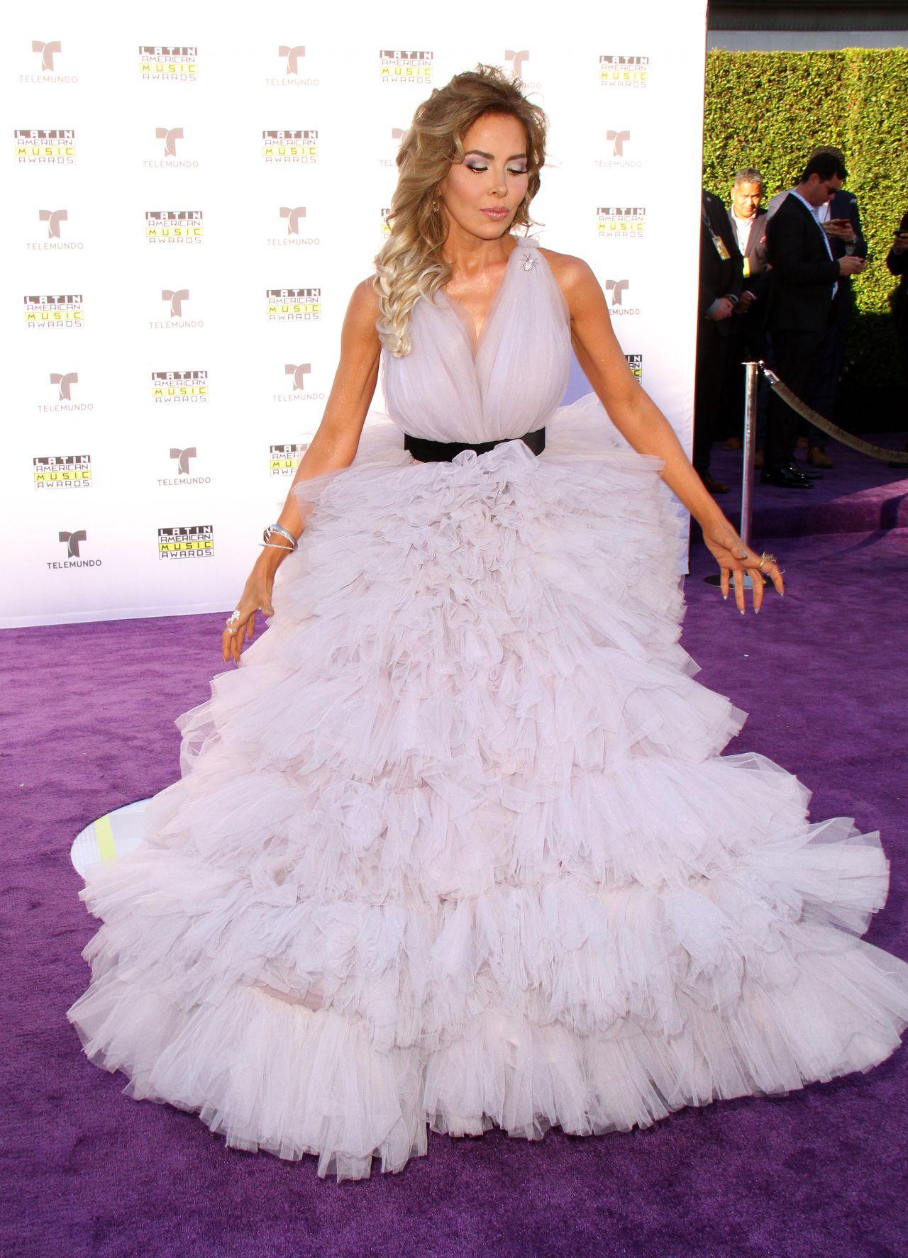 Gloria Trevi – Latin American Music Awards 2017 in Hollywood