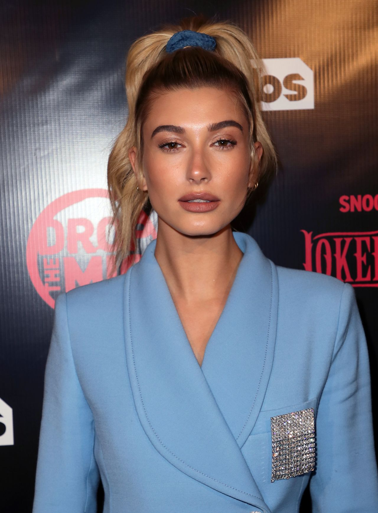 "Hailey Baldwin – ""Drop The Mic & The Jokers Wild"" TV Series Premiere in Los Angeles 10/11/2017"