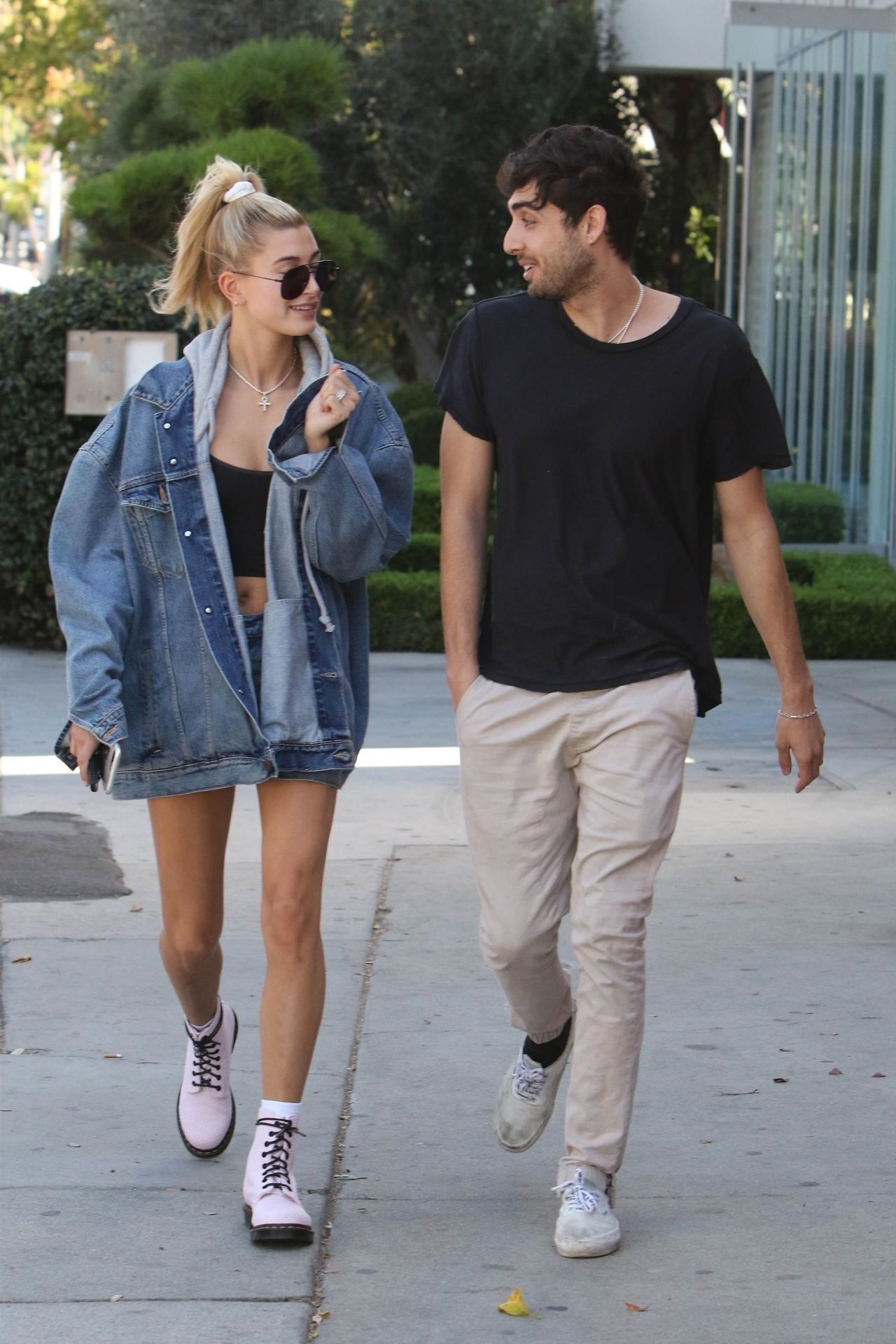 Hailey Baldwin Urban Style - Melrose in Los Angeles 10/10/2017