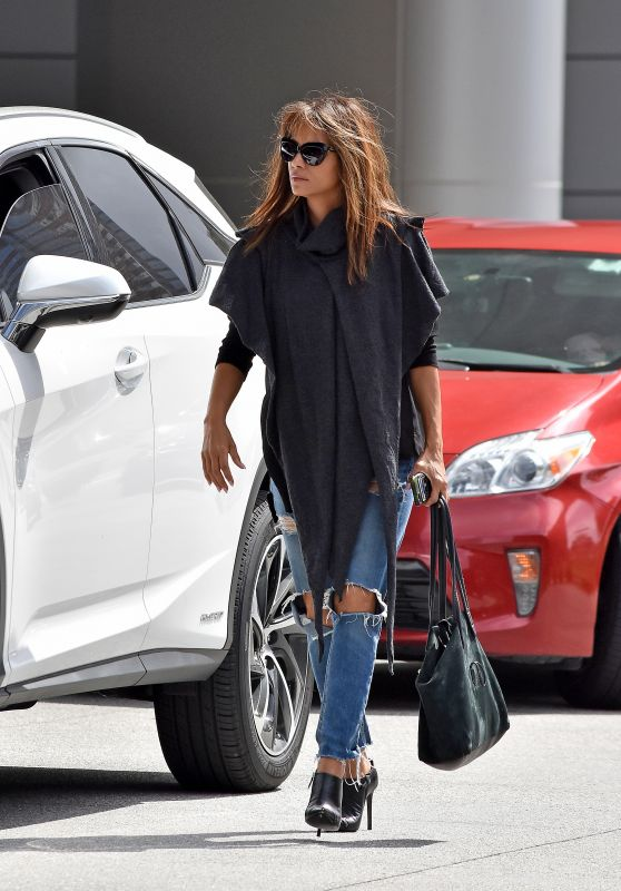 Halle Berry in Ripped Jeans - Out in Los Angeles 10/03/2017