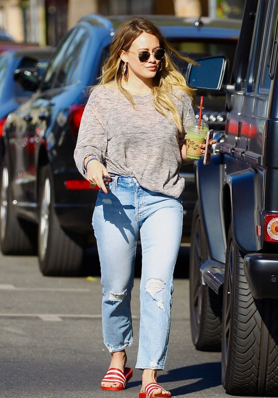 Hilary Duff in Casual Attire - Steps Out for a Fresh Pressed Juice and Coffee in Studio City