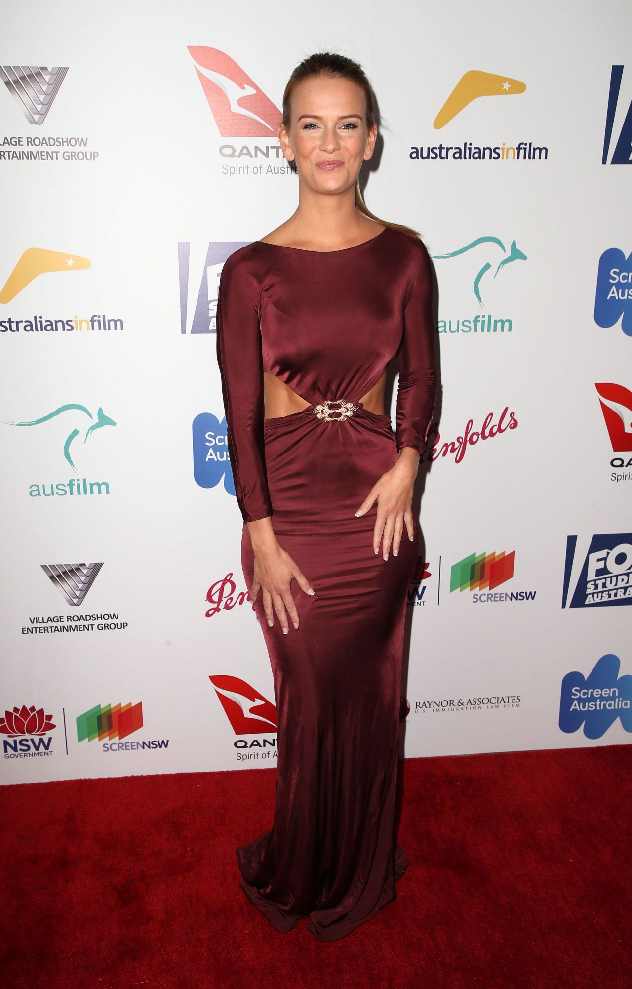 Jade Albany – Australians in Film Awards Benefit Dinner in Los Angeles