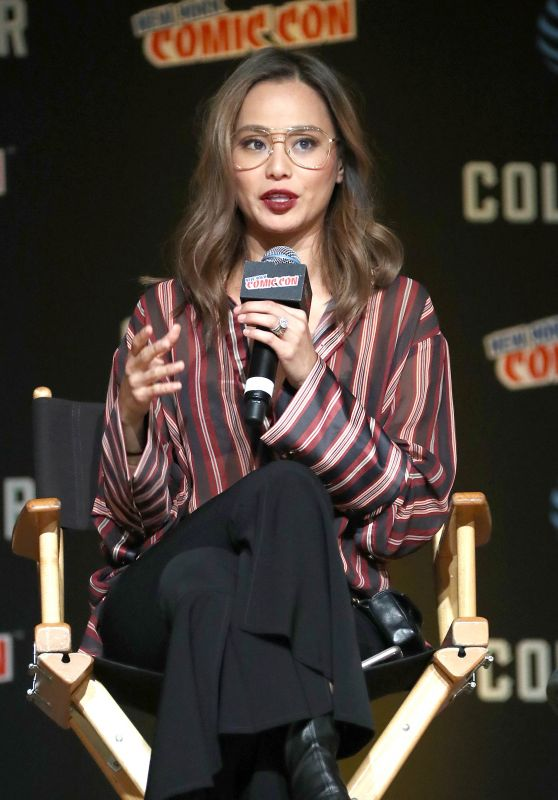"""Jamie Chung - """"The Gifted"""" Cast Appearance at NYCC in New York City 10/08/2017"""