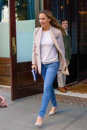 Jennifer Garner Casual Style - Leaving the Greenwich Hotel in NYC