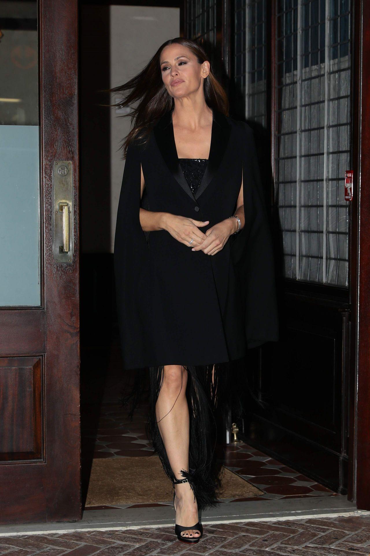 jennifer garner   leaving her hotel in new york