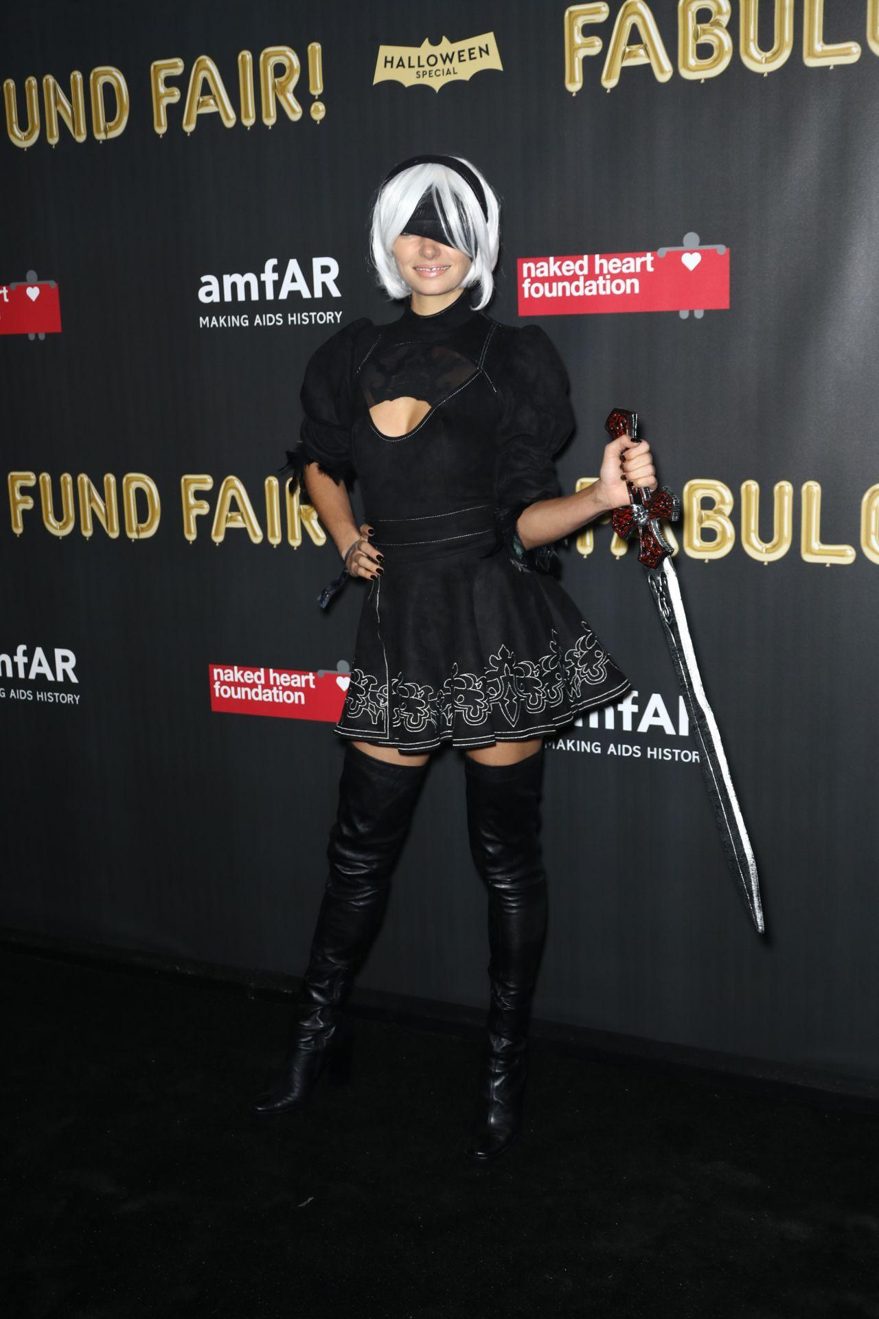 Jessica Hart – 2017 amfAR Fabulous Fund Fair in NYC