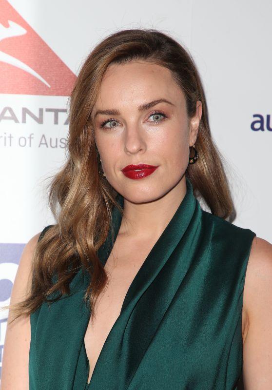 Jessica McNamee – Australians in Film Awards Benefit Dinner in Los Angeles