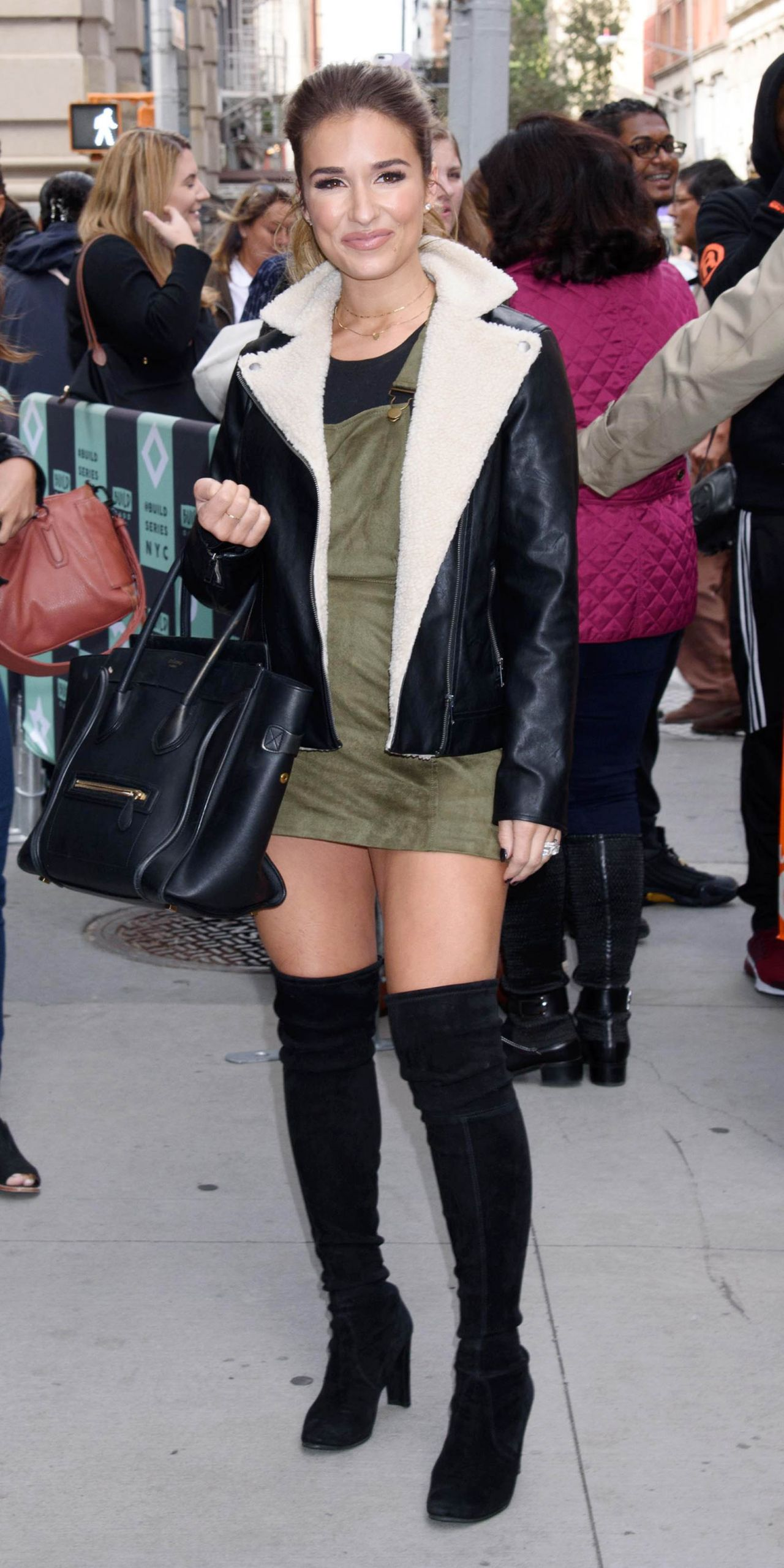 Jessie James Decker Style, Clothes, Outfits and Fashion ...