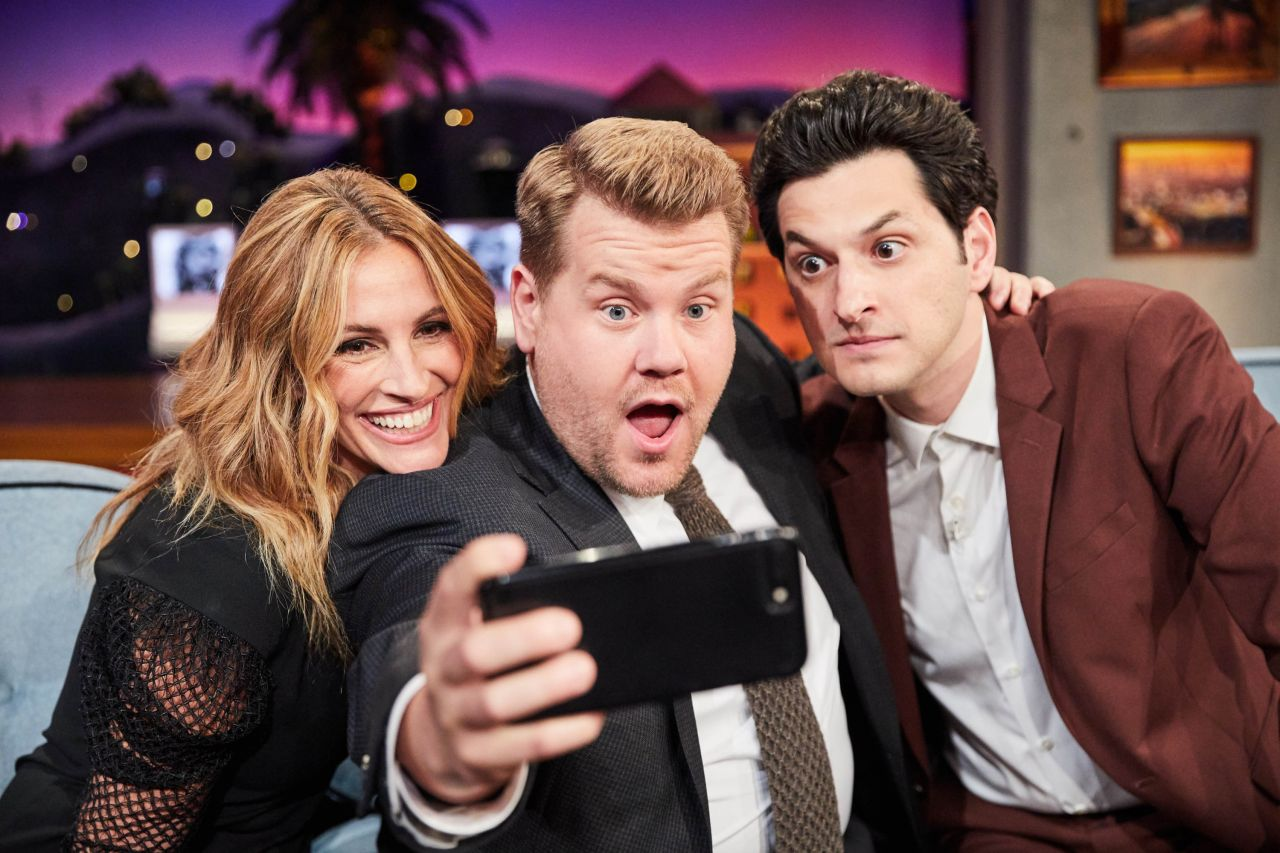 """Julia Roberts - """"The Late Late Show with James Corden"""" in Los Angeles 10/03/2017"""