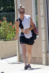 Kaley Cuoco Leggy in Shorts - Leaving Her Yoga Class in LA 10/02/2017