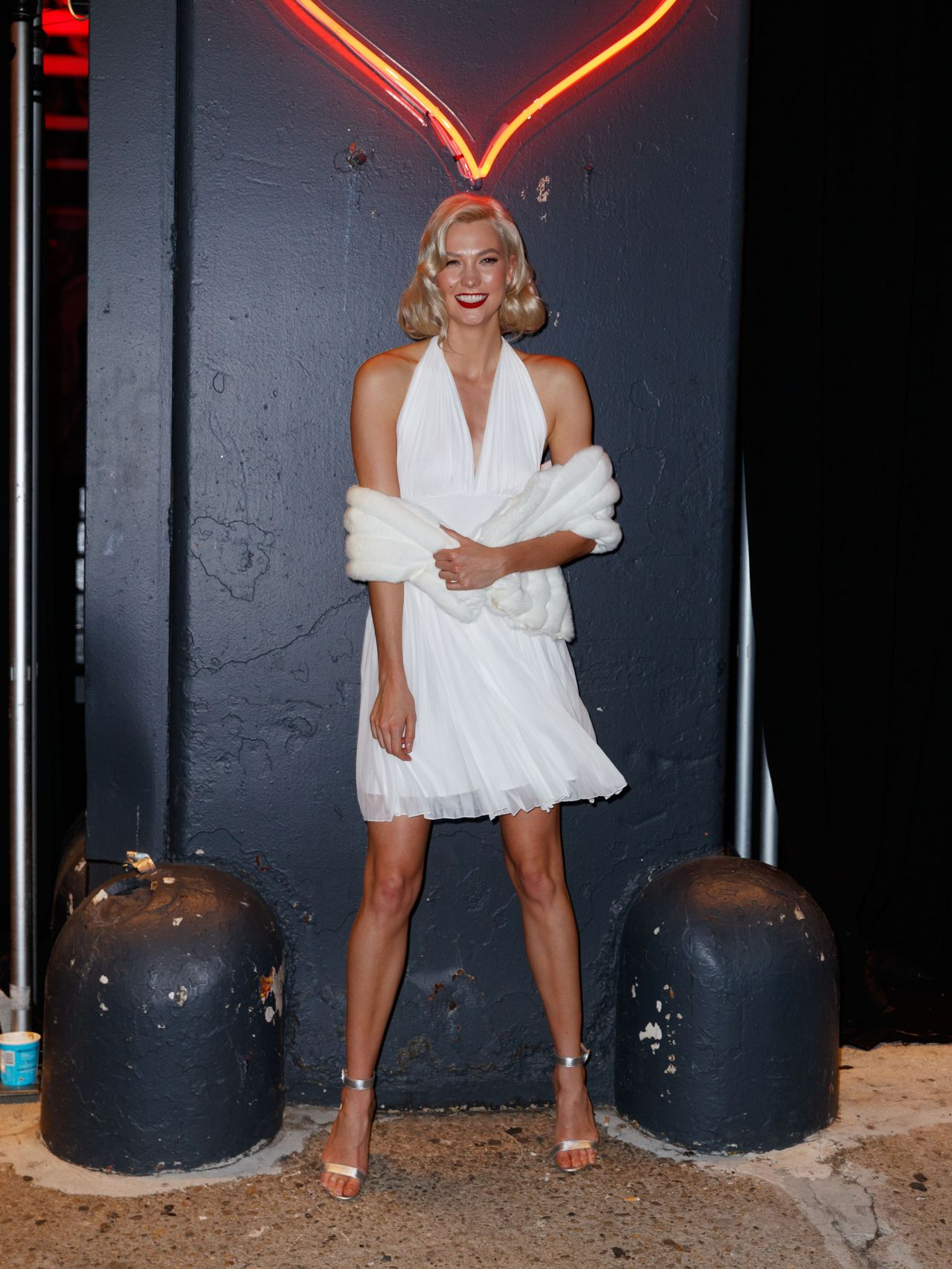 Karlie Kloss – 2017 amfAR Fabulous Fund Fair in NYC