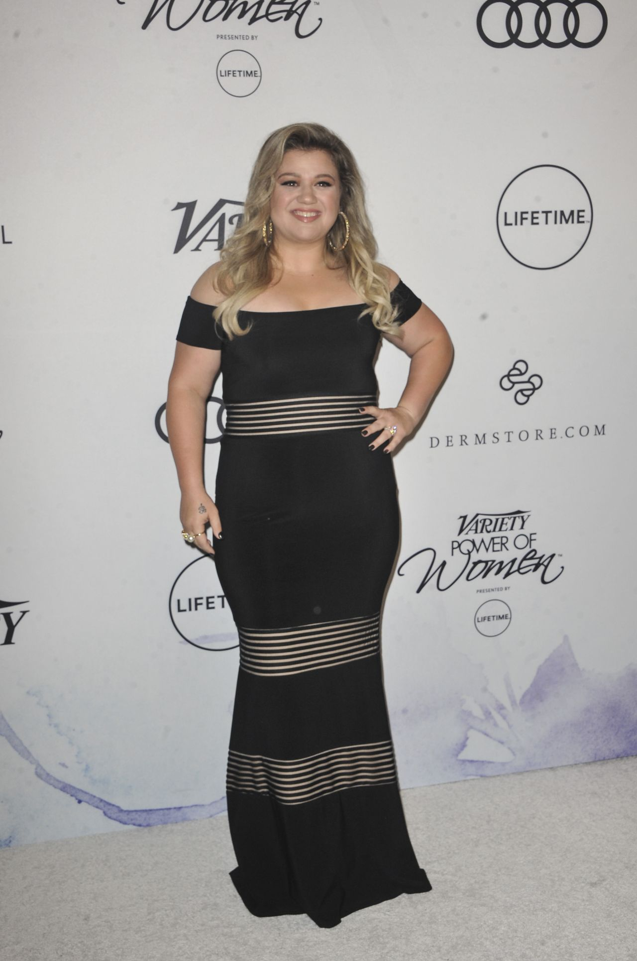 Kelly Clarkson – Variety's Power of Women in Los Angeles