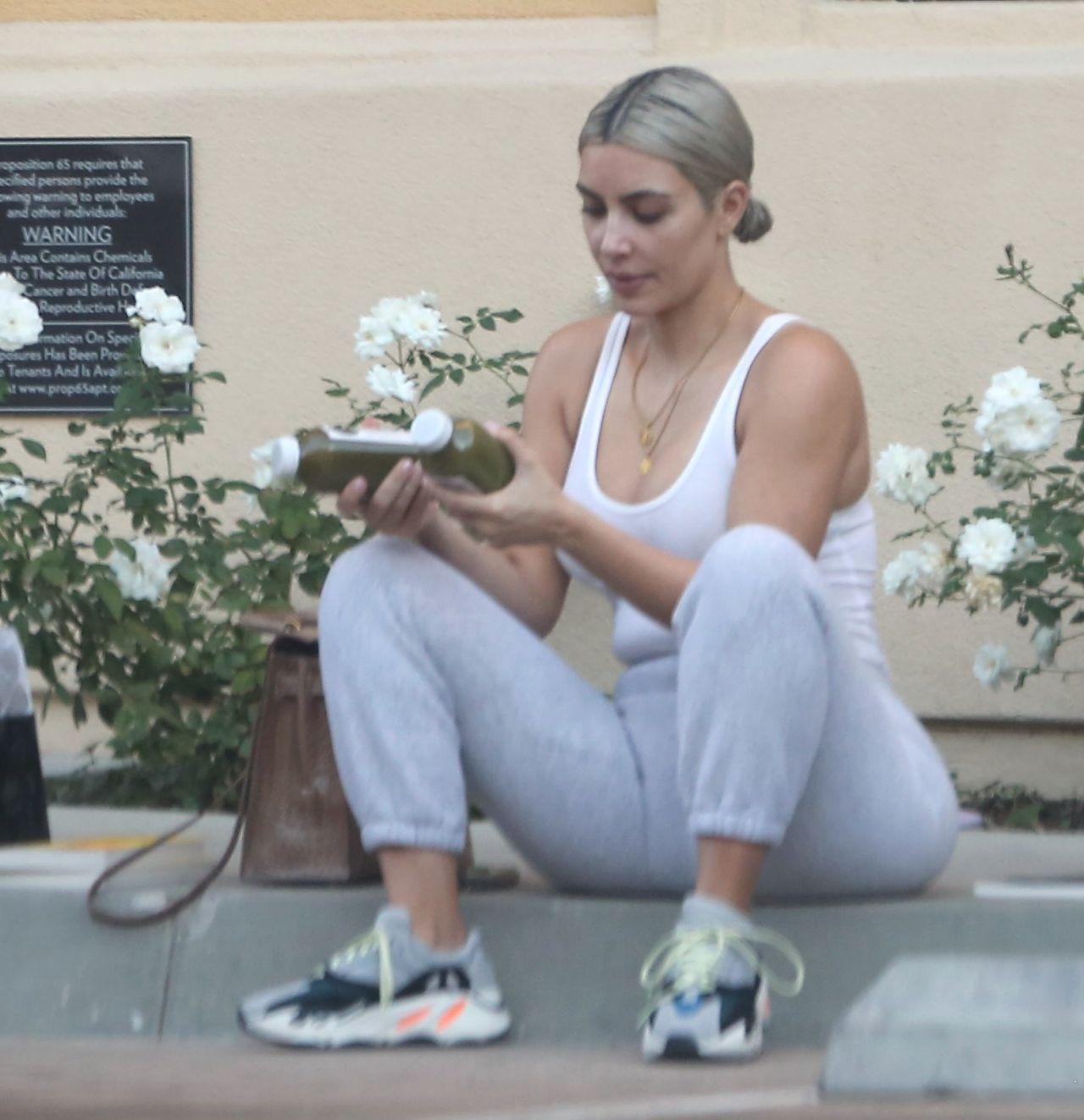 Kim Kardashian - Outside the Gym in Beverly Hills 10/25/2017