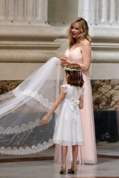 Kirsten Dunst is a Bridesmaid at the Rome Wedding of Her Best Friend 09/30/2017