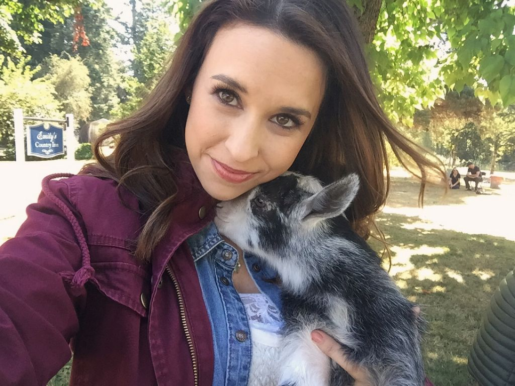 Lacey Chabert Images - Social Medial 10/12/2017