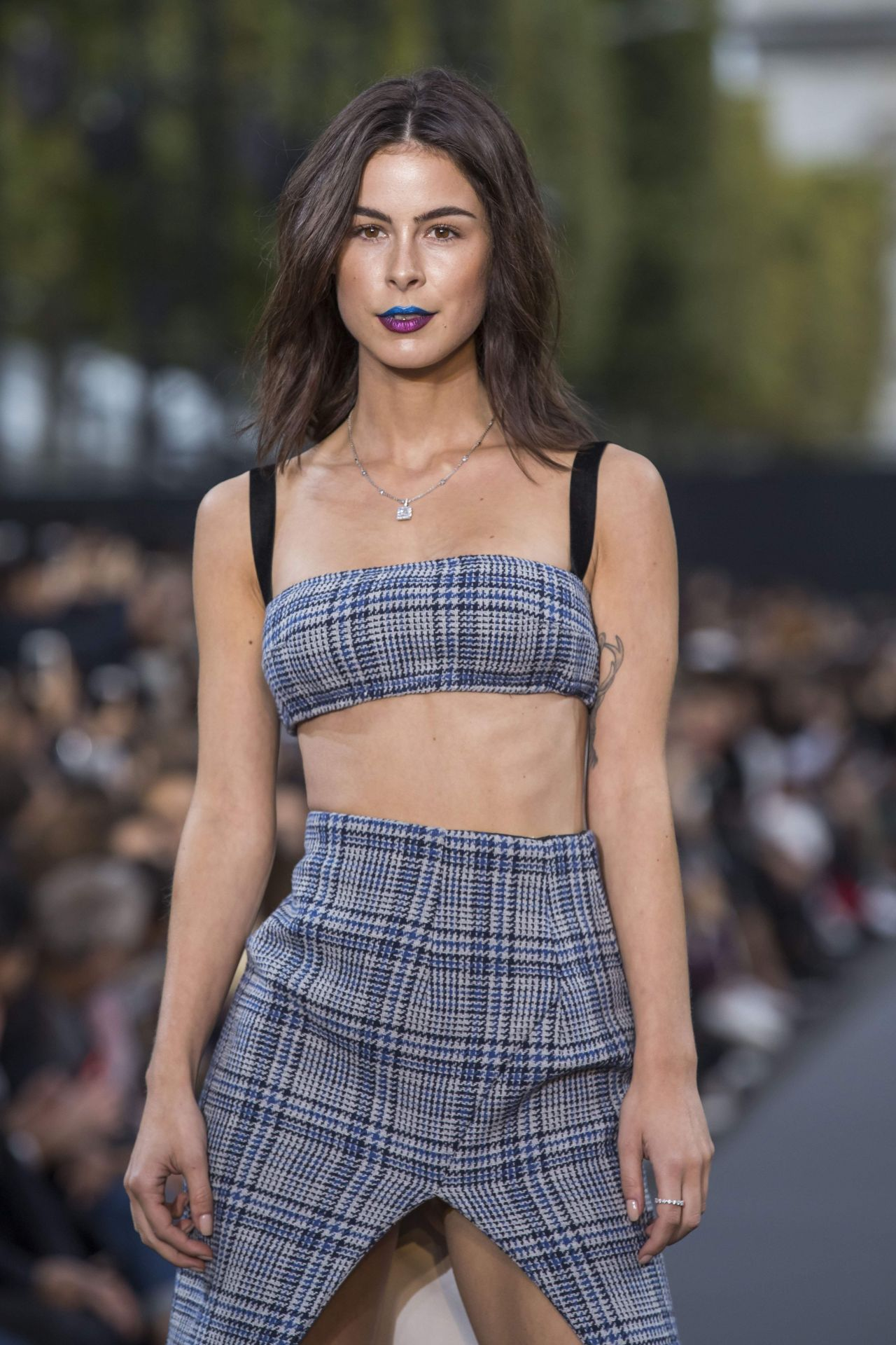 Lena Meyer Landrut Walks L U2019Oreal Show PFW In Paris 10 01
